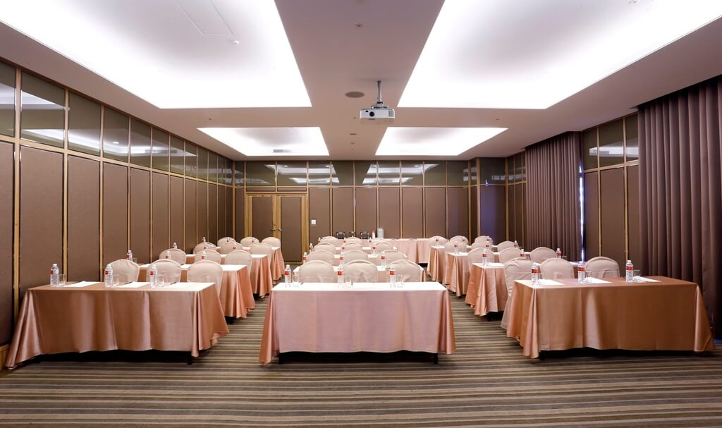 the-royal-meeting-room-2